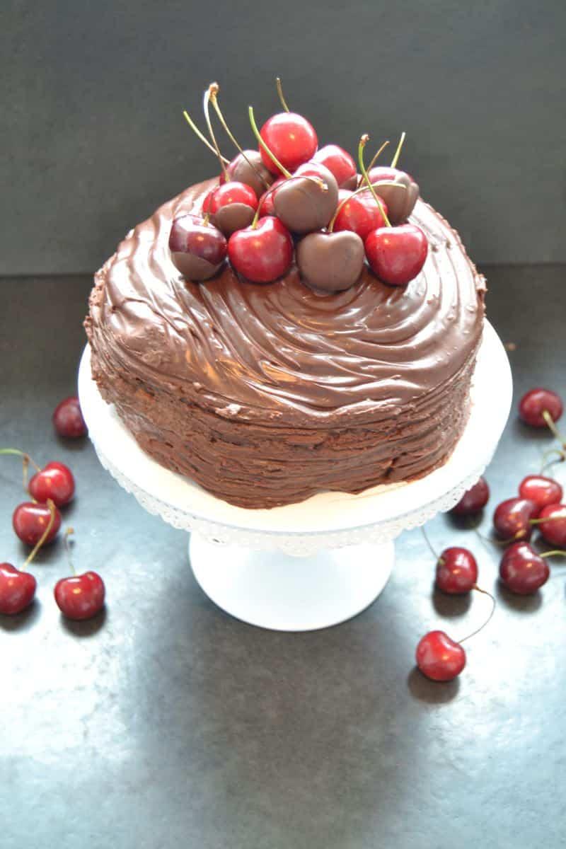 fruchtige-mousse-au-chocolat-torte-mit-kirschen-kochen-aus-liebe
