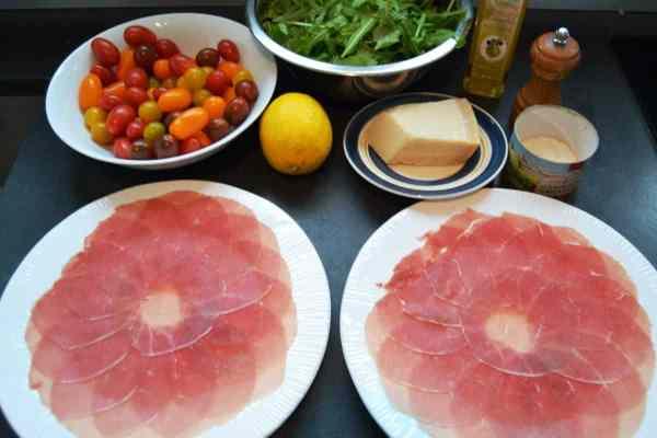 rinderfiletscheiben ,-parmesan, rucola Zitrone