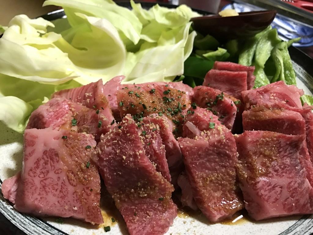 土佐市宇佐にある「萩の茶屋」は魚介だけじゃない。ここの焼肉が超絶美味しいと俺の中で話題に。