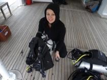 Ich auf dem Tauchboot beim Equipment-Check