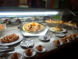 Ich liebe Buffet! Bei sovielen Desserts konnte ich mich nicht entscheiden.