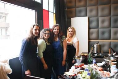 """Team """"Spätzle Ladies"""" in unserer Küchenzeile"""