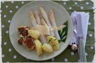 36 Johannas Spargel mit Petersilienkartoffeln,Bärlauchkratzede,Sauce hollandaise