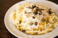 Die Suppe ist so reichhaltig, dass ich sie am nächsten Tag als Soße für meine Pasta verwendet hab. Mit Parmesan leider nicht mehr vegan, aber leeeecker!