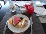 Frühstück in unserem Hotel Abitalia Viareggio. Am liebsten mochte ich frisches Obst und die süßen Stückle