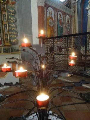 In Kirchen zünde ich immer ein Kerzchen an und denke an meine Lieben