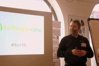 Jan begrüßt die Bloggermeute