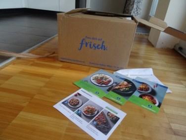 So kommt die Box an, mit Zutaten und Rezeptkarten für 3 Mahlzeiten