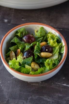 Römer-Salat mit Trauben und Erdnüssen 3