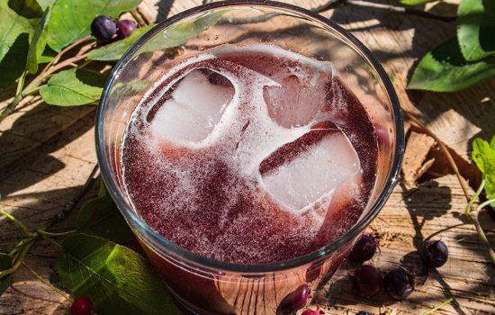 Felsenbirnen-Cocktail