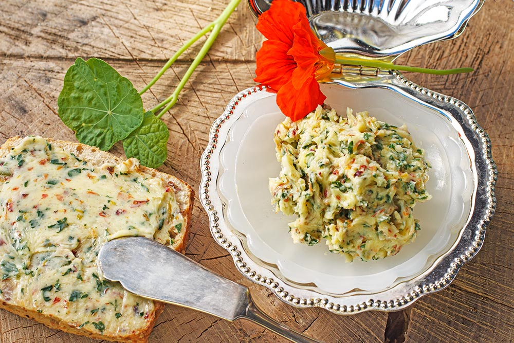 Kapuzinerkresse-Butter