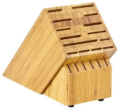 Ein Messerblock aus Bambus, speziell für japanische Küchenmesser