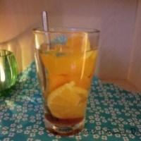 Frischer Orangen-Tee