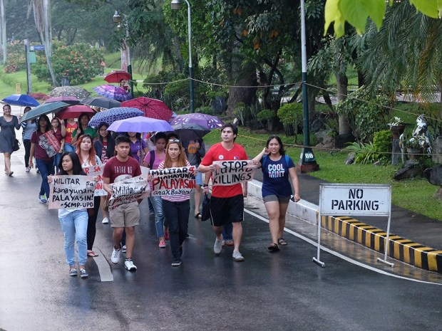 More students arriving at Quezon Hall hours before the Lumad arrive.