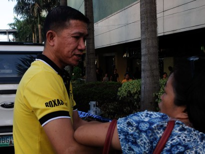 An Araneta Center personnel turned physical on CARMMA members.