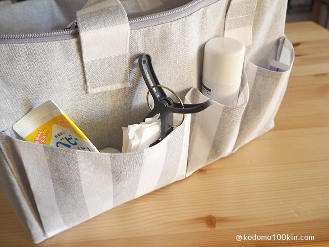 ダイソーのピクニックバッグ 外側のポケット収納の様子