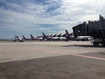 タイ・バンコク、スワンナプーム国際空港に到着