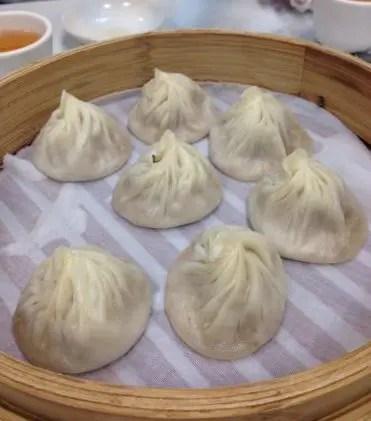 今回の台湾旅行でNo.1!『明月湯包』で早めのランチ。小籠包が激ウマだった!