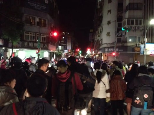 台北101花火後の混雑