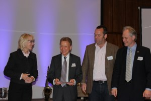 FORD-WERKE, Dr. Wolfgang Schneider, Michael Münch, Dr. Wolfgang Hennig