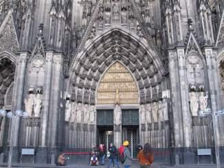 Tür im Kölner Dom