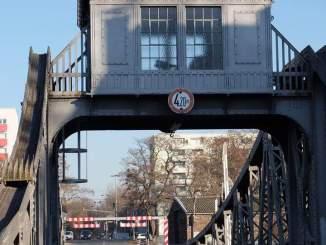 Die Deutzer Drehbrücke