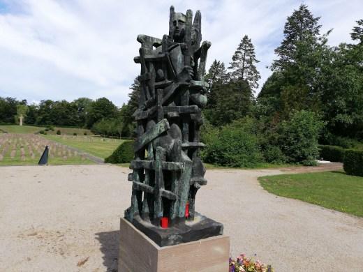 Die Gefangenen, Mahnmal auf dem Westfriedhof