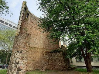 Der alte Helenenturm in Köln
