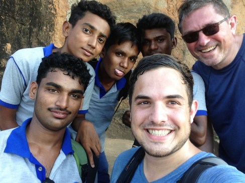 Selfie met wat lokale jongens