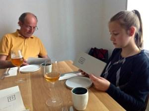 Hardy Lohs und Saskia Lohs im MAST Weinbistro von Matthias Pitra und Steve Breitzke in der Porzellangasse im 9. Bezirk in Wien