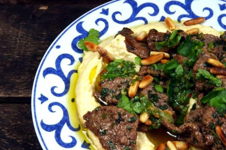 Lamm mit Hummus