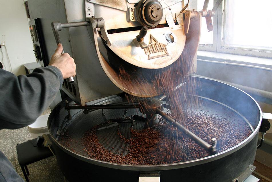 c8f25893359f8 Но общее описание процесса все же известно. Итак, как делают  сублимированный кофе? В первую очередь, кофейное зерно (в основном,  стараются использовать ...