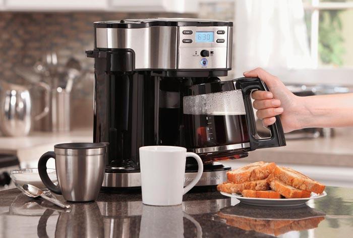Кофе қайнатқышта кофе пісіру