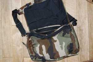 Eine Eastpak Delegate in Camouflage-Optik.