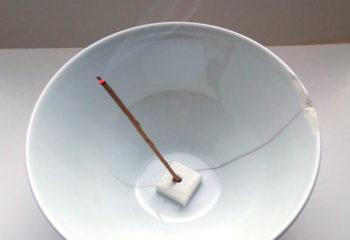 香皿のかわりにカフェオレカップ
