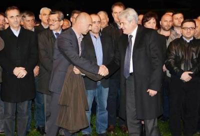Zaevi, shigjeton keq e rëndë Ali Ahmetin me krahun e luftës të Azbi Likës.