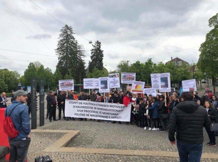 Diaspora shqiptare sot protestoi në Bern të Zvicrës për drejtësi për Abdulfeta Alimin dhe rastet e montuara