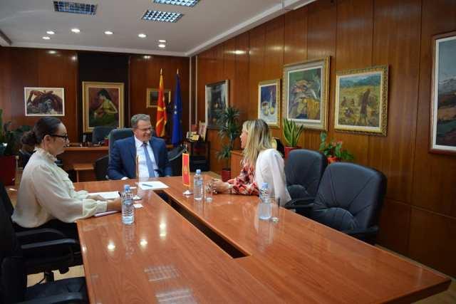 Ministri i Kulturës, Hysni Ismaili, sot realizoi takim me ambasadoren e sapoemëruar të Malit të Zi në Republikën e Maqedonisë së Veriut, Marija Petroviq