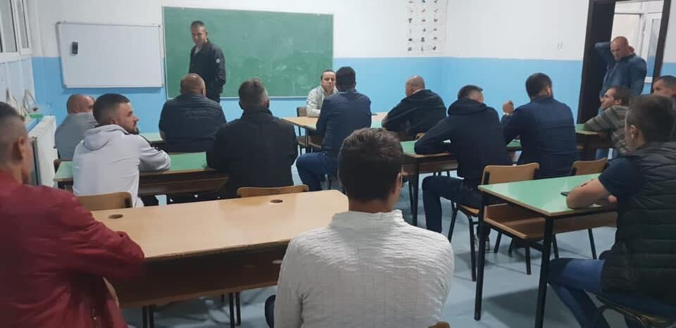 Ministri Xhemaili vazhdon vizitat  sot ndalon në fshatin Vicë