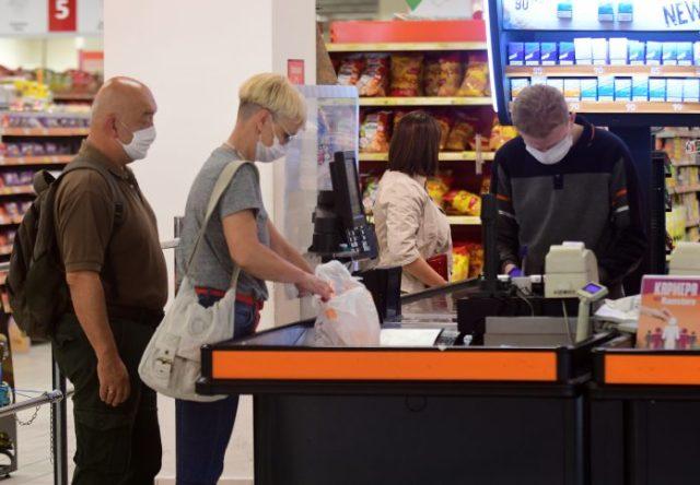Të papunët do të përfitojnë nga 150 euro prej shtetit, një fundjavë pa TVSH për të gjithë
