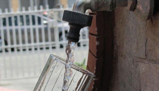 Komunat si Tetova dhe Negotina në vitin 2020 do të kenë kufizime të ujit të pijshëm për orë të tëra (Video)