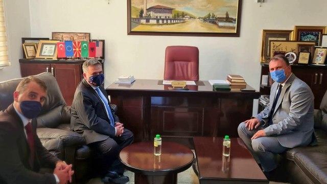 Ambasadori realizoi takim lamtumirës me myftiun e Tetovës, z. Qani Nesimi