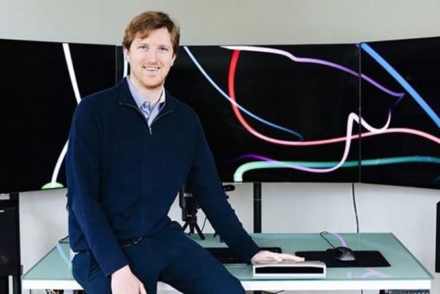 25-vjeçari u bë miliarderi – në moshën 2 vjeç ai e dinte tabelën periodike përmendësh, në klasën e 6-të shndërroi një tastierë Nintendo në një telefon celular