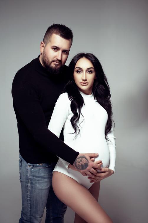 Në prag të ardhjes së bebit, Eli me bashkëshorten sjellin fotosesionin mahnitës
