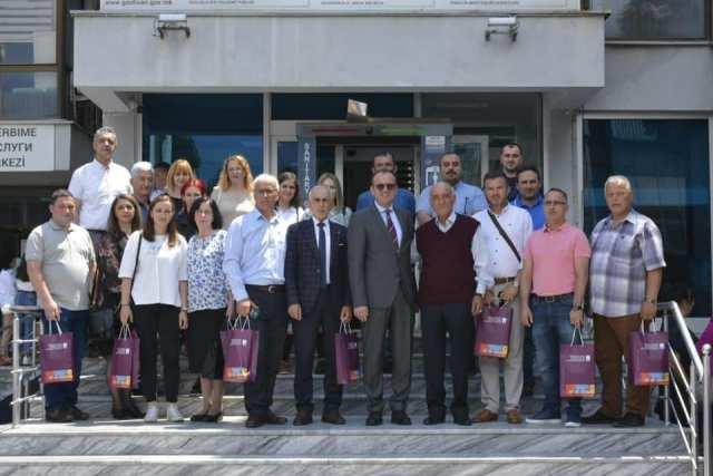 Komuna e Gostivarit shpërblen nxënësit e gjeneratës të shkollave fillore dhe të mesme