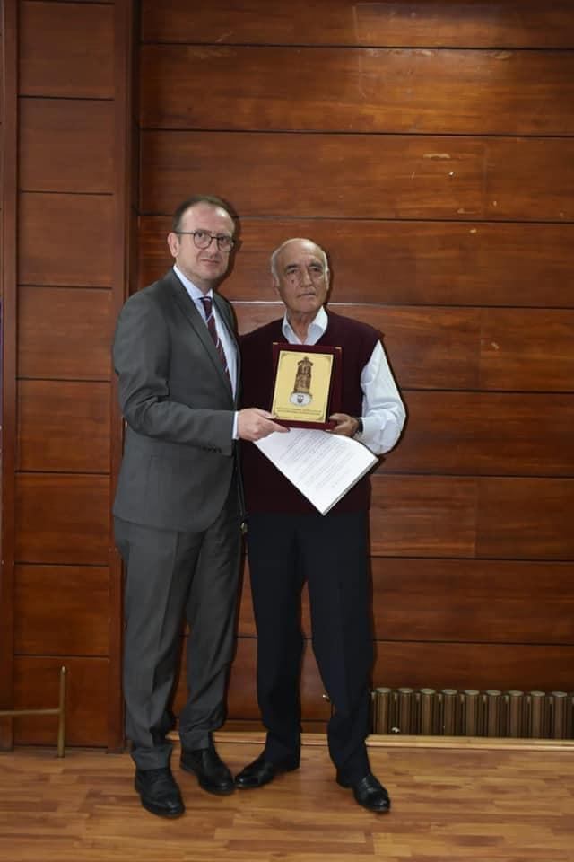 Arsimtari Selman Kalisi shpallet qytetar nderi i Gostivarit