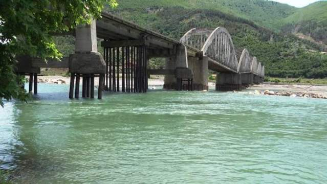 Ura e Zogut në Milot, asnjë ndërhyrje nga instancat për ta shpëtuar
