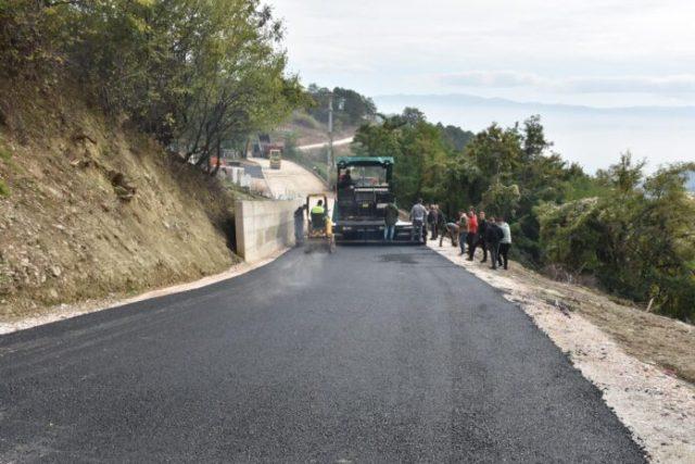 Ka filluar asfaltimi i rrugës Sellcë-Llacë
