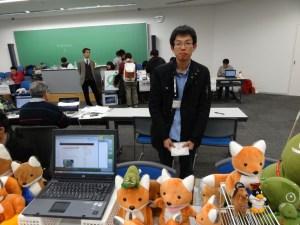 Fuminobu Takeyama at the openSUSE booth.