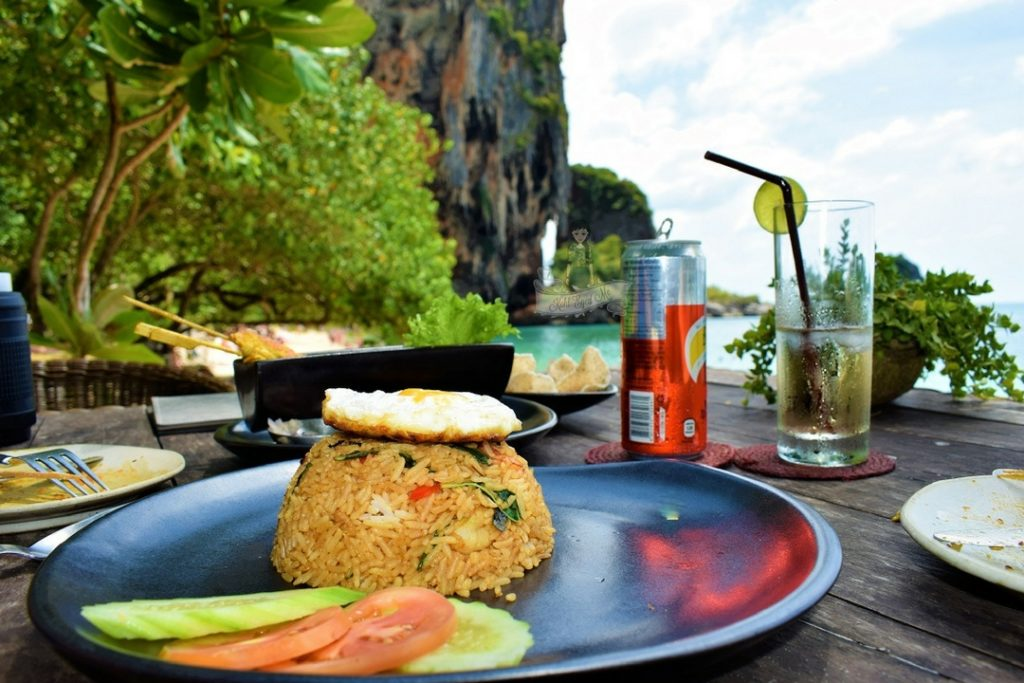 Dining at Rayavadee = Dine at Grotto Images